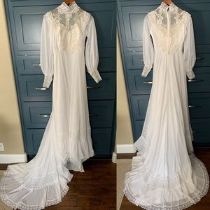 Vintage Lace Wedding Dress With Train Gown Bridal